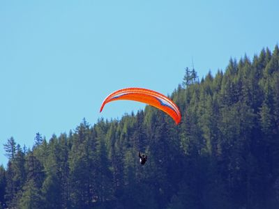 Paragliding in the Tyrolean Oberland